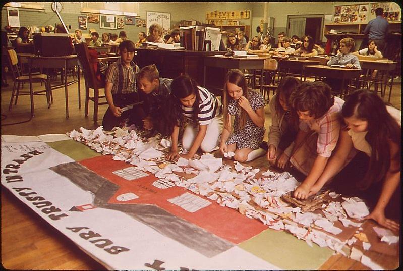 図2.5 プロジェクト・ワークは構成主義的学習の一形態です 写真: © Jim Olive, Environmental Protection Agency/Wikipedia, 1972